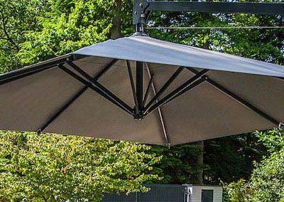 Parasol Mât Déporté à petit prix et de qualité | Georjon SA Suisse
